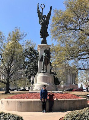 Statue at Arkansas State Capitol