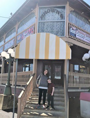 Spring Break Adventure – Brown's Country Restaurant