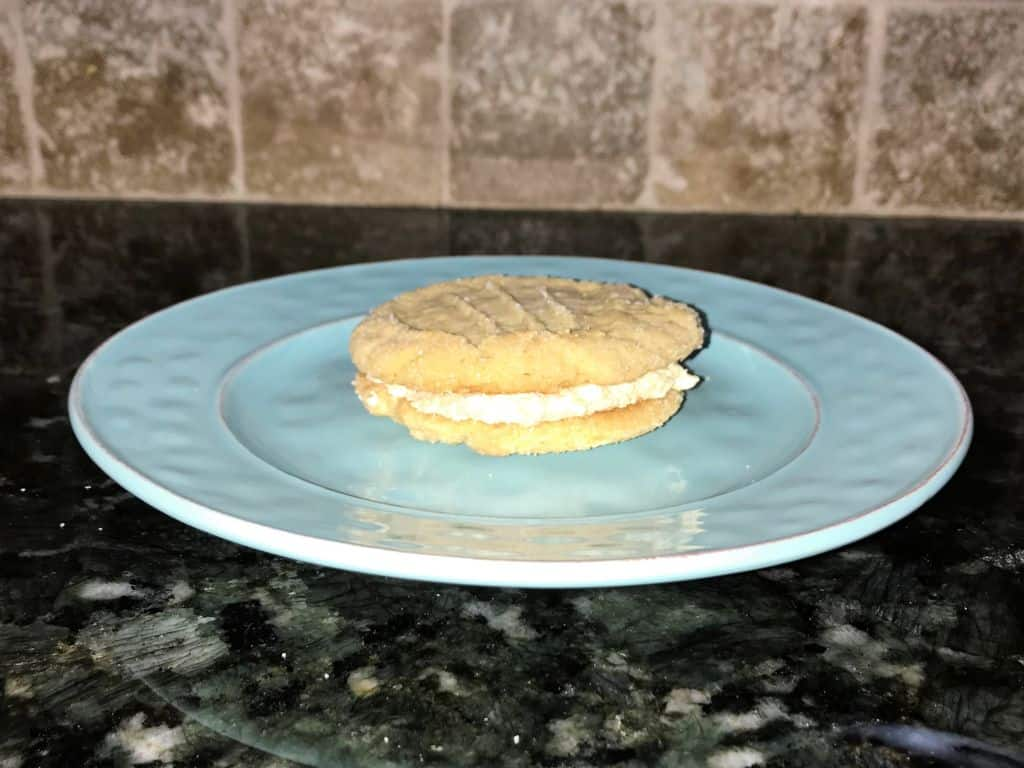 peanut butter cookies with peanut butter filling