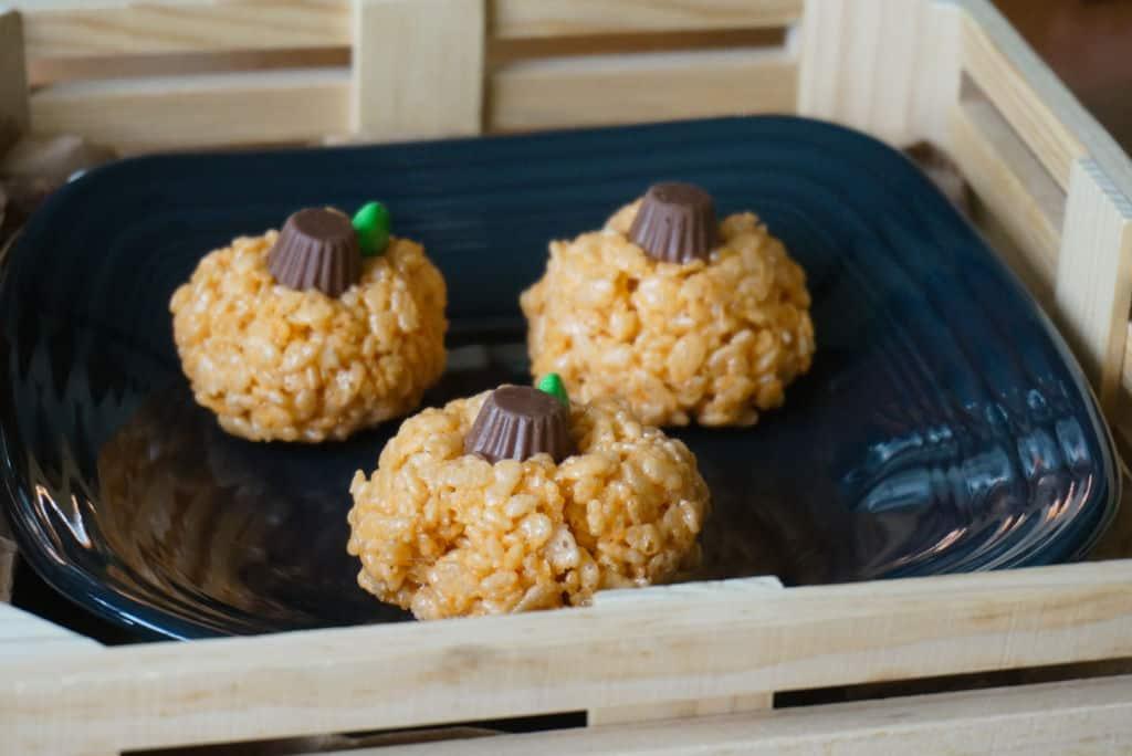 Pumpkin Shaped Rice Krispie Treats