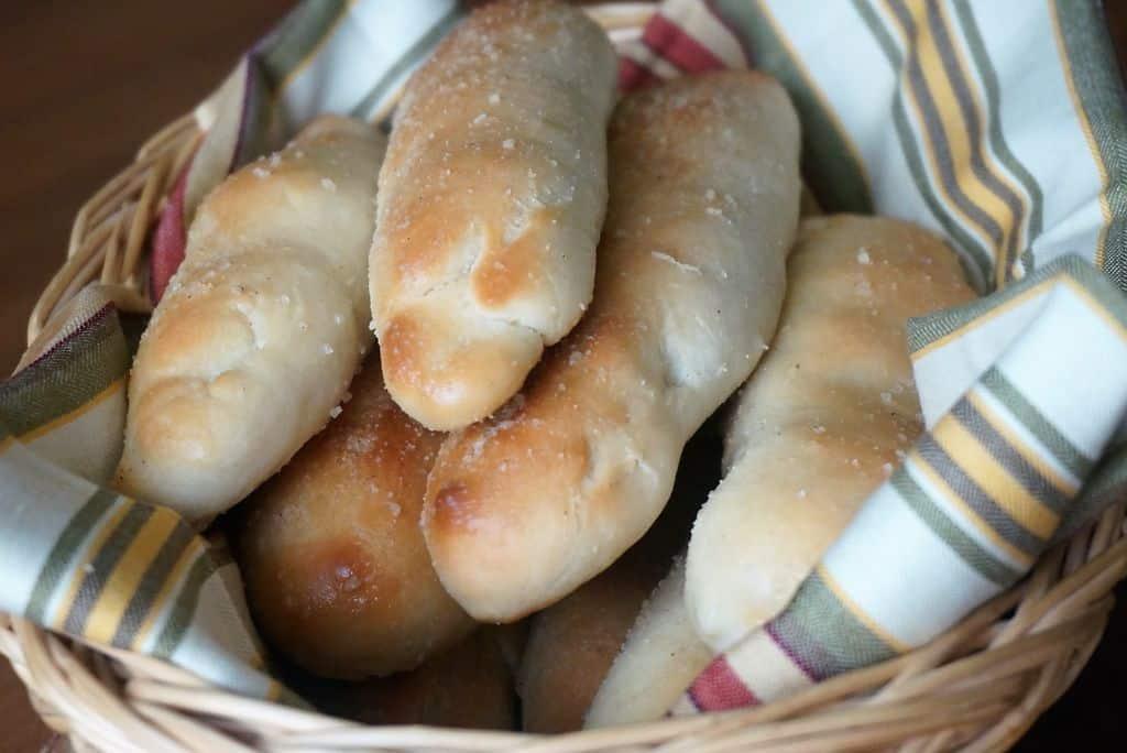 Italian Breadsticks - Olive Garden Copycat Recipe