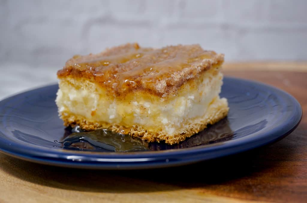 Sopapillas and Cheesecake with honey