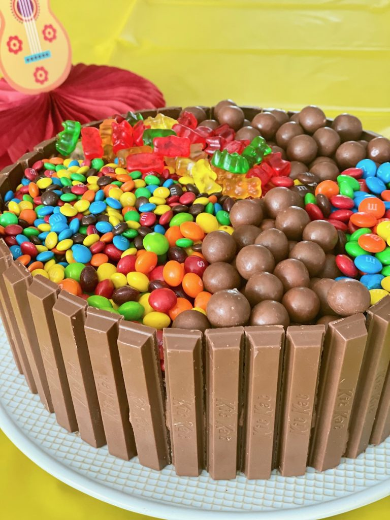 Hot Tub Cake with Kit Kats