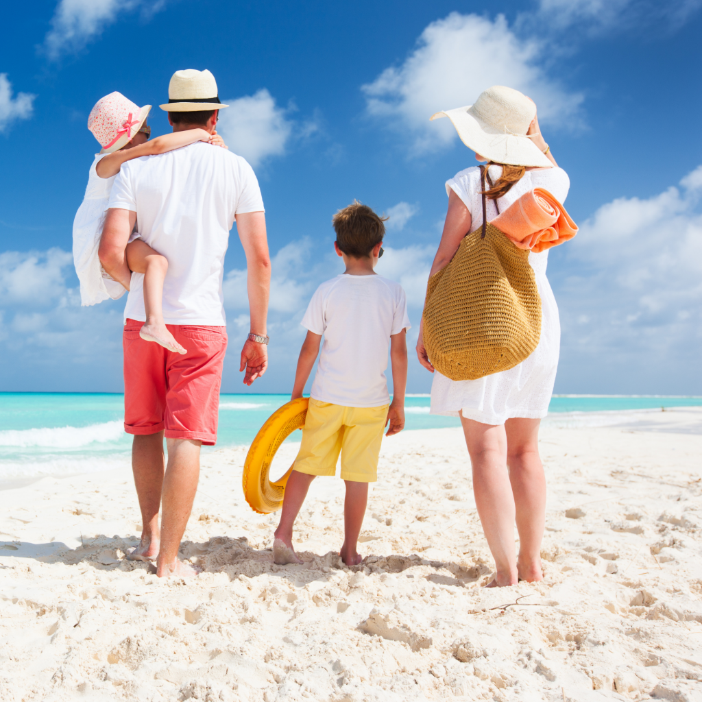 essentials for happy beach family that knows what to take to the beach