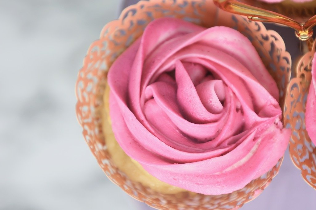 Pretty Pink Cupcakes for Sweet 16 Birthday Party