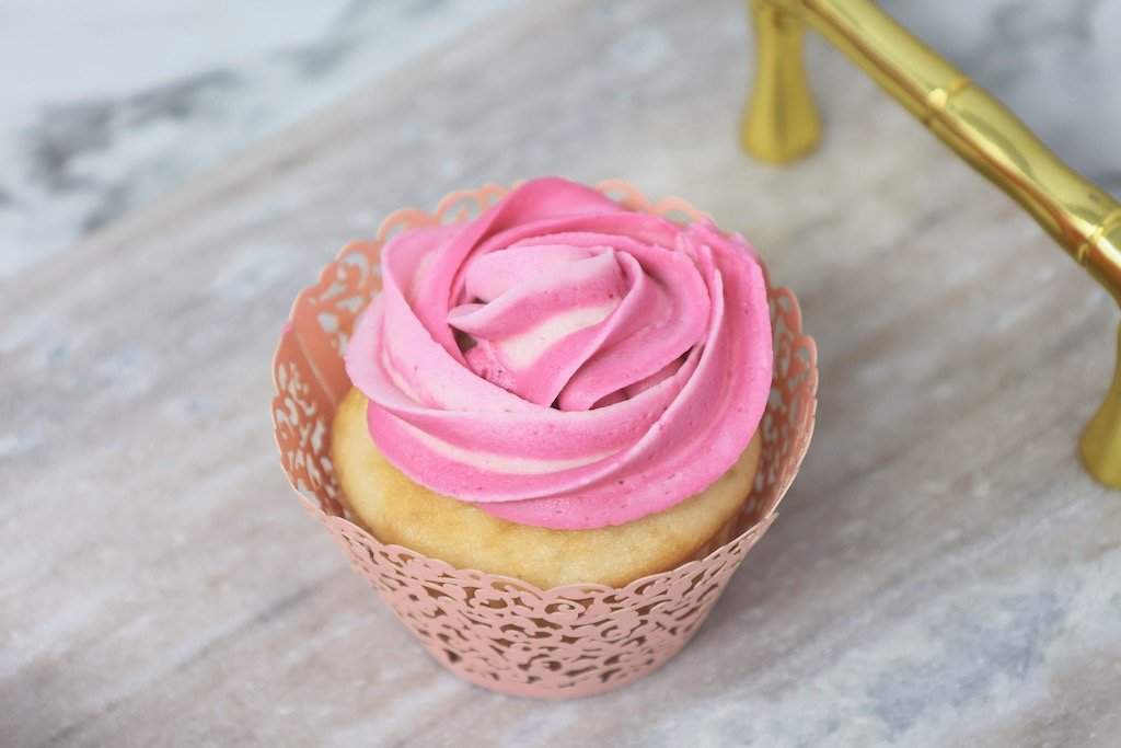 Pink Sweet 16 Birthday Cupcakes that are easy to make
